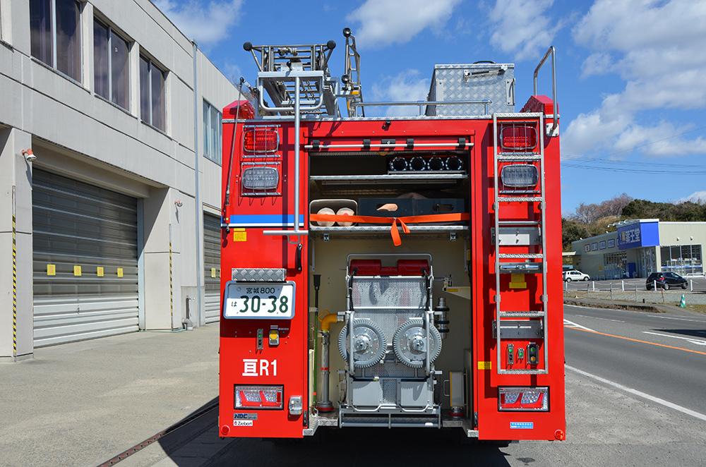 消防ポンプ付救助工作車4